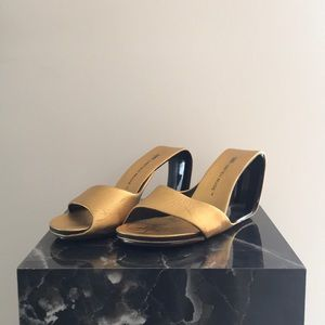 United Nude Gold Hollow Wedge Sandal